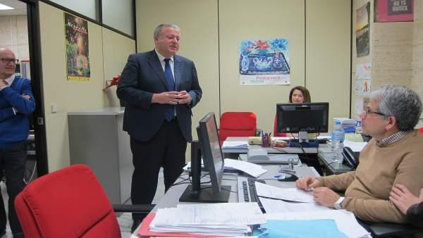Francisco Bernabé, visita las oficinas del FOGASA en Murcia