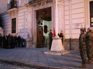 Izado de bandera en el Palacio Real de Valladolid.