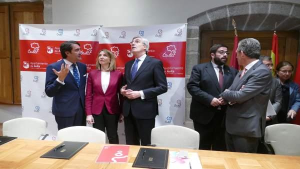 Suárez-Quiñones y Alicia García en Ávila