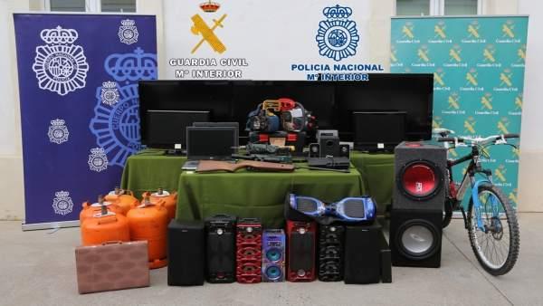 """La Policía Nacional Y La Guardia Civil En El Marco De La Operación """"Abadía"""", Des"""