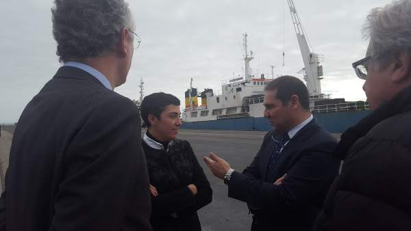 1 Nota Y 1 Foto Junta (Directora Puertos Andalucía Visita Puerto Huelva)