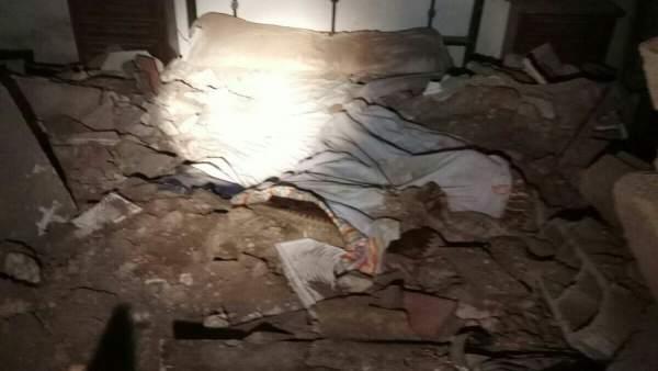 Cama del herido tras caerle techo encima