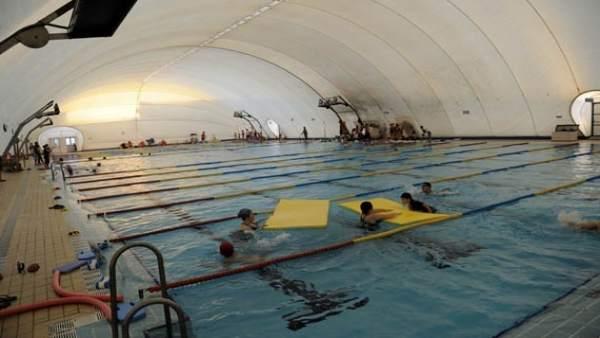 La piscina del Tiro de Línea antes de que cayese su carpa