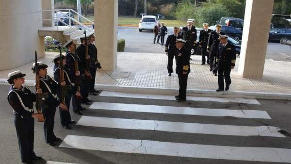 Almirante Jefe de Estado Mayor de la Armada en cuarteles de Cádiz