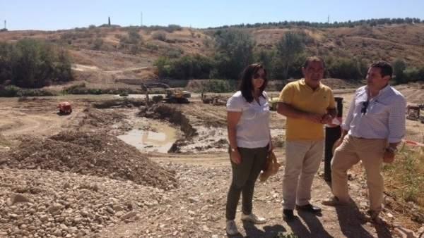 Castro (c) en una visita a las obras realizada el pasado mes de septiembre.