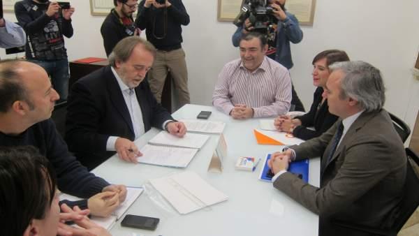 La oposición municipal se ha reunido este viernes.