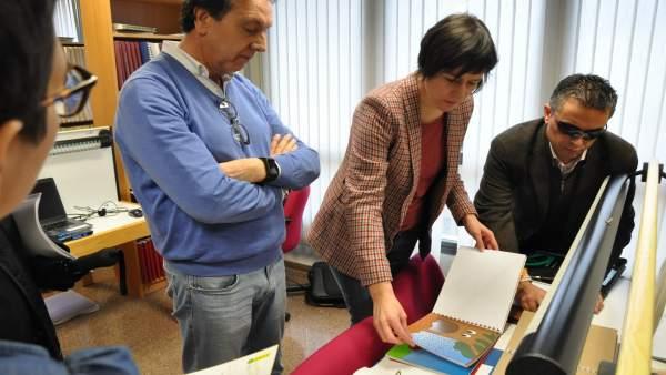 Ana Pontón visita la sede de la ONCE en A Coruña