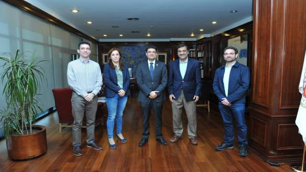 Firma del convenio en la UPV