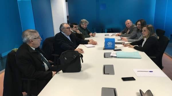 Reunión del PP con representantes del sector turístico