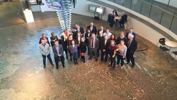 Asistentes a la reunión en el Ayuntamiento de Londres
