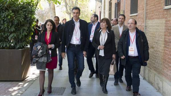 Sánchez, junto a otros dirigentes del PSOE, en el pasado Comité Federal, celebrado en Alcalá de Henares.
