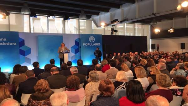 Fátima Báñez,  en la convención de Elche este sábado
