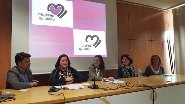 Nota De Prensa Y Foto Mujeres En Igualdad