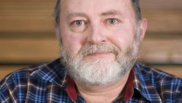 Xoán Ignacio Taibo recibe la 'Letra E' de los Escritores en Lingua Galega
