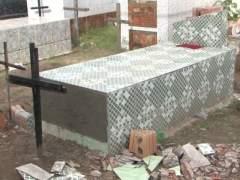 Investigan si realmente una mujer fue enterrada viva en Brasil