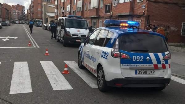 Valladolid.- Dotaciones de la Policía Local en el lugar del atropello