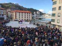 Cientos de personas recuerdan a Ekai en Ondarroa