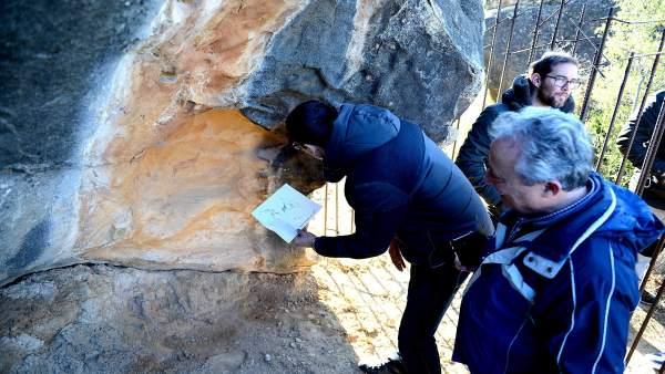 Visita a las pinturas rupestres de Alcañiz.
