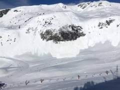 Un esquiador graba un alud gigante en la estación Baqueira-Beret