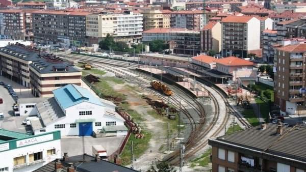 Vías del tren en Torrelavega