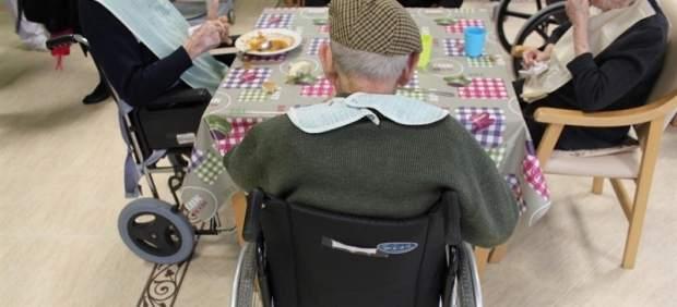 La brecha del cuidado: apenas el 5% de quienes acortan su jornada laboral para cuidar dependientes ...