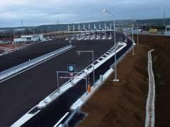 Fomento asumirá este miércoles la gestión de la primera autopista en quiebra, la R-4