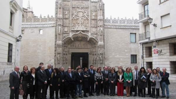 Representantes de las Cortes y de la ciudad de Valladolid ante San Gregorio