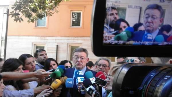 Ximo Puig atiende a los medios de comunicación