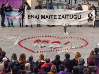 Cientos de personas recuerdan en Ondarroa al adolescente transexual fallecido