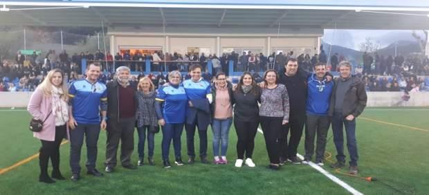 El campo de deportes de Sa Plana de Andratx renueva el césped a través de un Plan de inversiones ...