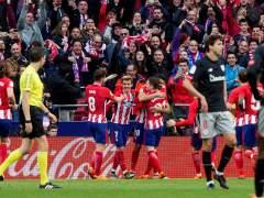 El Atlético derrota al Athletic y sigue la estela del Barça en Liga