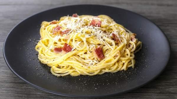 Resultado de imagen de espaguetis a la carbonara receta italiana