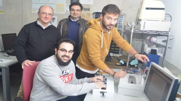 Imagen del equipo que ha desarrollado el dispositivo