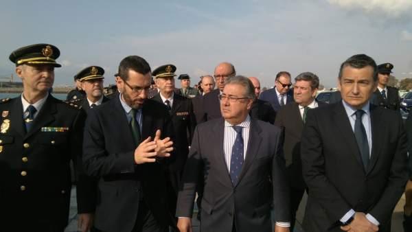 El alcalde de La Línea, Juan Franco, con el ministro del Interior