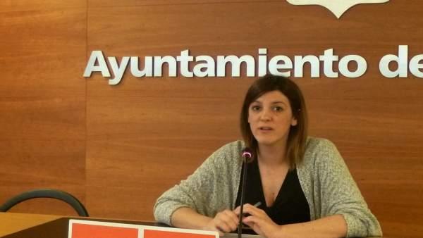 Concejal del PSOE María Marrodán ante los medios de comunicación