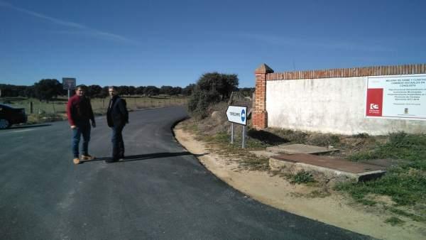 Sánchez (dcha.) visita las obras realizadas