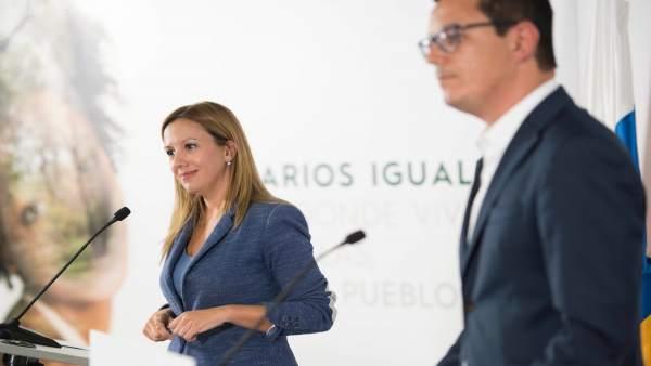 Rosa Dávila con el vicepresidente canario, Pablo Rodríguez