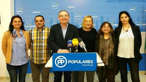 Marivi romero y Paco delgado bonilla PP velez  rueda de prensa
