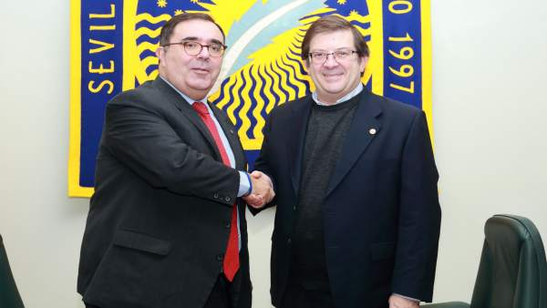 Firma de convenio entre la UPO y Fesac