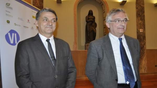 El consejero Joaquín Olona y el decano de Agrónomos, Ángel Jiménez.
