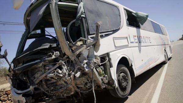 Autobús escolar accidentado