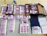 Billetes facímiles y monedas de coleccionista intervenidos en Lleida