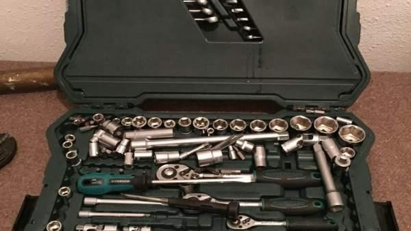 Caja de herramientas ocupada a los detenidos.