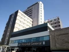 La Paz se niega retirar las pestañas del ojo de una paciente porque no llevaba pinzas