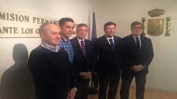 El consejero y representantes de Cecale y sindicatos, junto al REPER