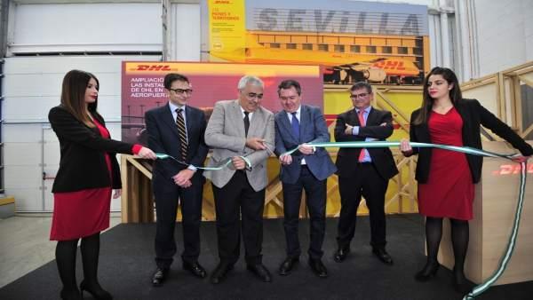 DHL inaugura la ampliación de sus instalaciones en Sevilla.