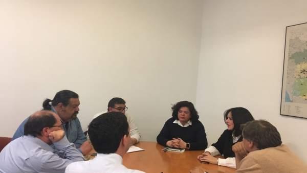 PP de Sevilla y el comité de trabajadores municipales de Huévar se reúnen