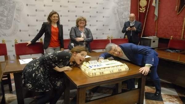 Presentación de la tarta de piononos más grande del mundo