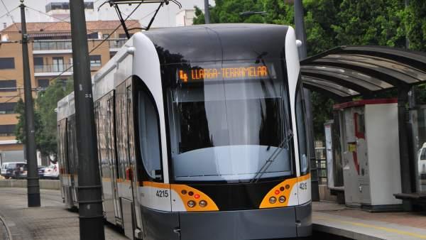 Tranvía De Metrovalencia en imagen de archivo