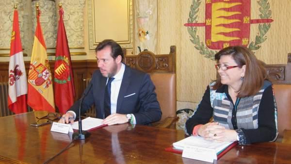 El alcalde de Valladolid y la concejala de Educación